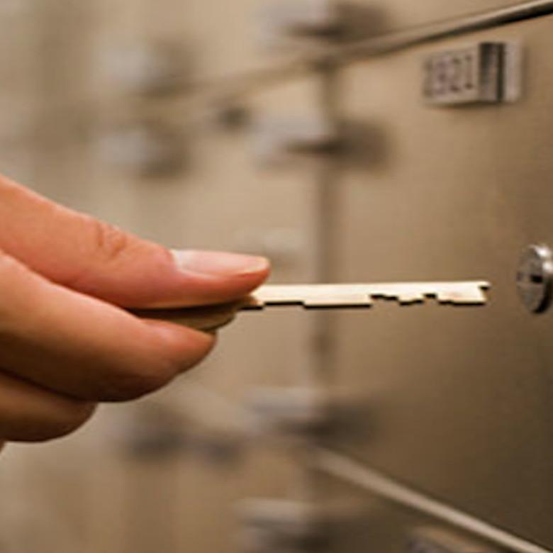 Compro-oro-gioielli-aste-preziosi-diamanti-vendo-argento-orologio-torino-pagamento-immediato-valutazione-gratuita-quotazioni-contanti