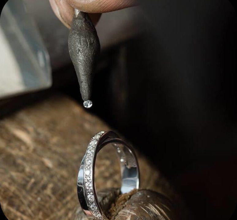 creazione gioielli-torino-compro-vendo-oro-creazioni-personalizzate-pietre-preziose