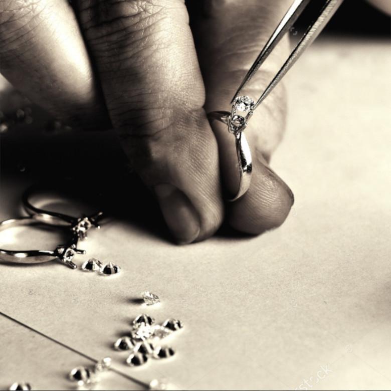 scelta_pietra_solitari_gemme-compro-oro-a-torino-perle-diamanti-vendo-gioielli-
